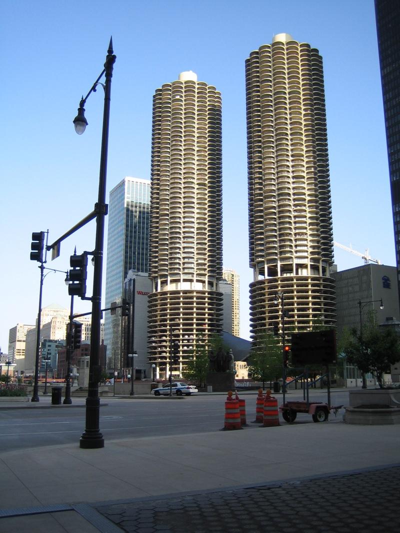 玉米大樓及其他